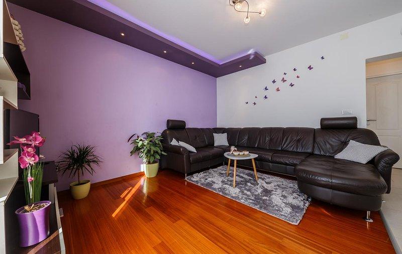Salón, Superficie: 15 m²