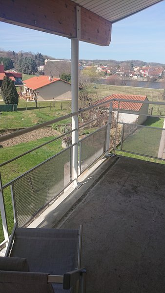 Beautiful apt with garden & terrace, holiday rental in Rimont