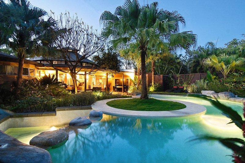 Villa Don Vito - Private Dream Luxury Tamarindo -, holiday rental in Tamarindo