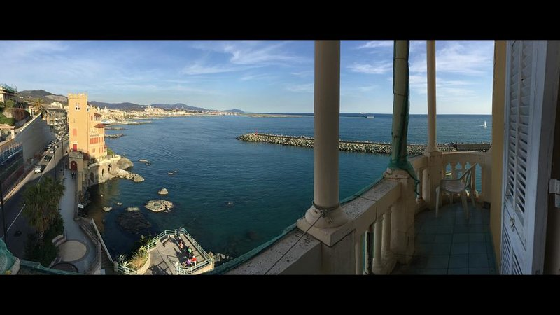 Nice apt with sea view & balcony, holiday rental in Province of Genoa
