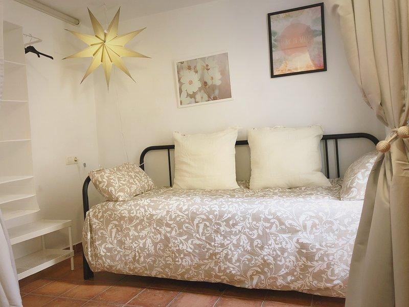 Preciosa villa en el corazón de Gandia, holiday rental in Llutxent