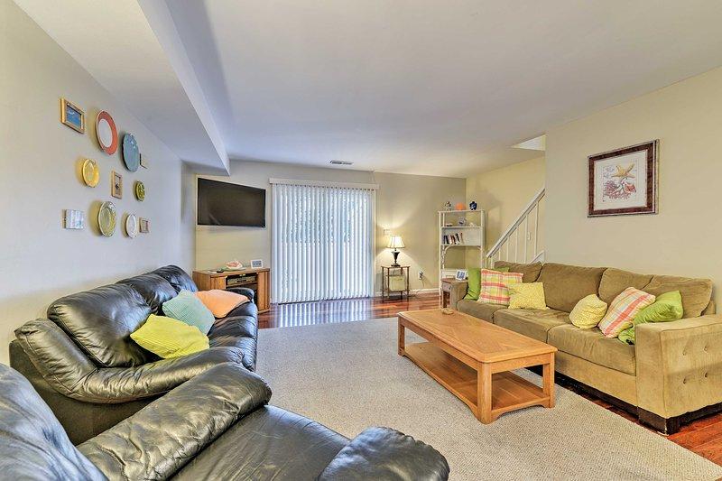 Escápate a las playas de Wildwood en esta encantadora casa adosada de alquiler de vacaciones.
