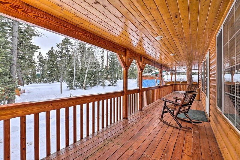 Bright & Cozy Duck Creek Cabin By Top Attractions!, casa vacanza a Duck Creek Village