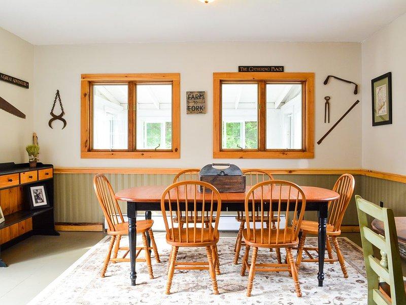 Mobili da montagna verde | Sala da pranzo | Arredamento rustico