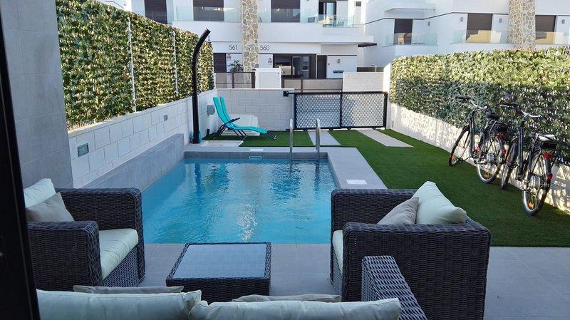 Garden/ porch area