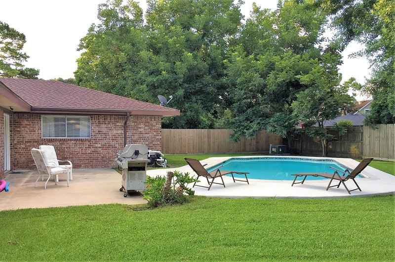 Quiet room in Houston with Pool for business traveler, vacation rental in La Porte