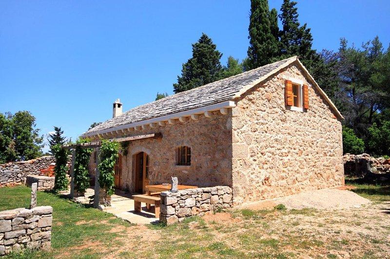Four bedroom house Humac, Hvar (K-8805), Ferienwohnung in Humac