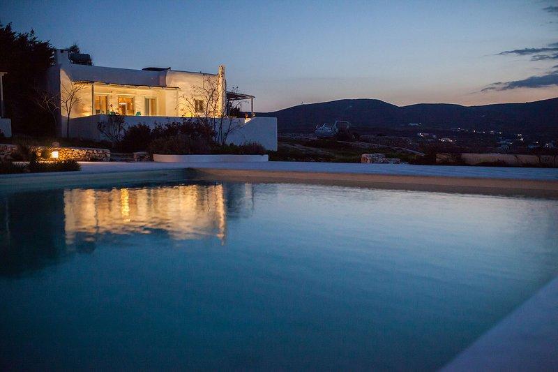 Villa Paradiso Bay, holiday rental in Naoussa