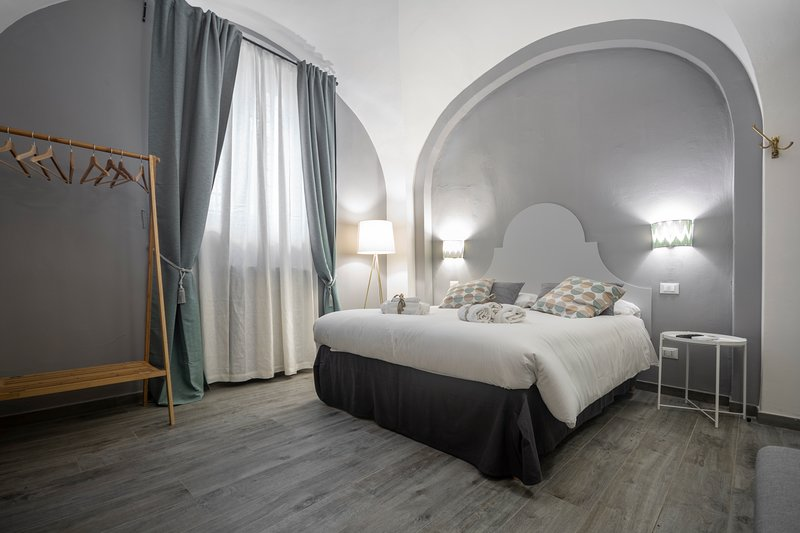 La Lu cozy rooms - dei Cavalieri room, holiday rental in Madonna Dell'Acqua