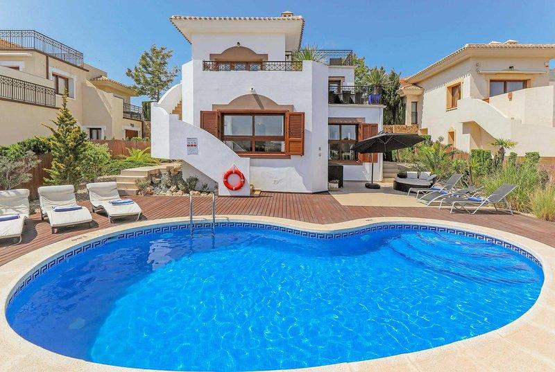 Luxurious villa, great location stunning views, holiday rental in Llano del Beal