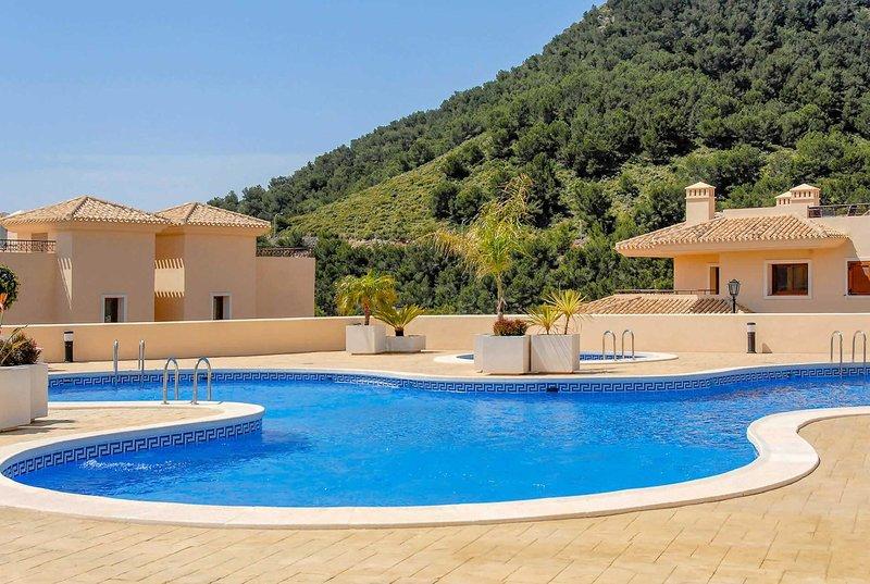 3 bed villa with far reaching views, holiday rental in Llano del Beal