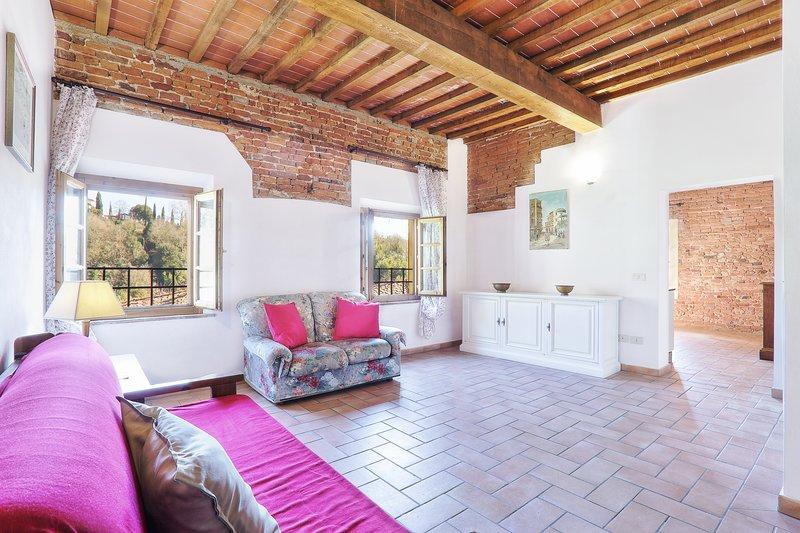 Appartamento di grandi dimensioni in posizione panoramica, holiday rental in Partino