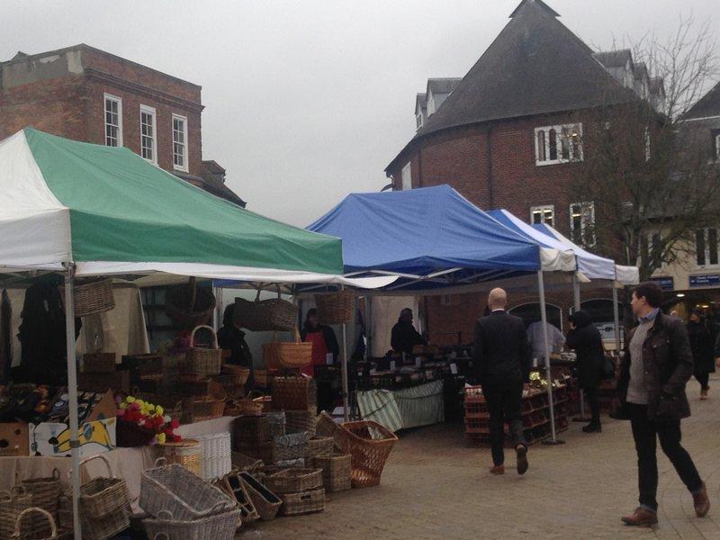 El mercado de Petersfield está abierto los miércoles y sábados.
