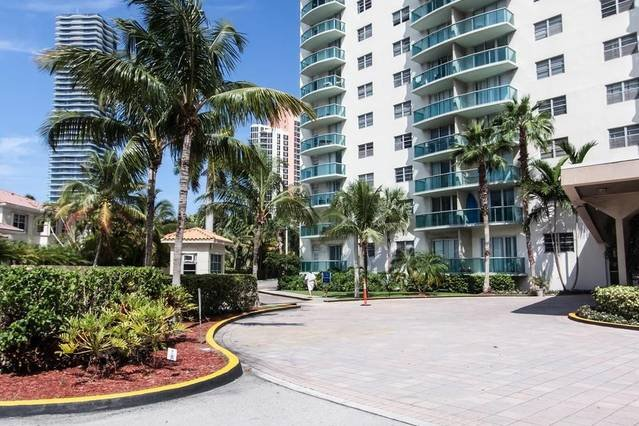 DestinationStays Ocean View 2BR in Miami, Florida #1003, holiday rental in Sunny Isles Beach