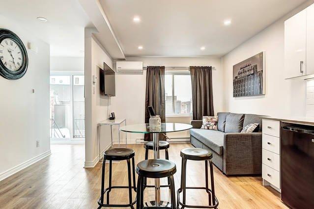 Modern 2BR | Saint-Henri Downtown Montreal #1, vacation rental in Westmount