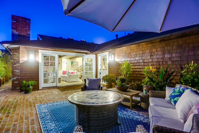 Stunning Del Mar Beach House - Seconds to Beach, vacation rental in Del Mar