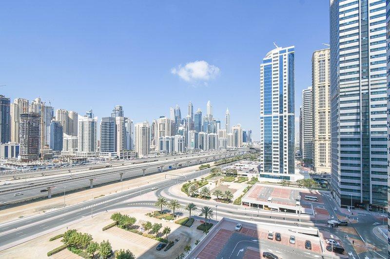 Dubai Spacious 2 bedrooms JLT, holiday rental in Jebel Ali