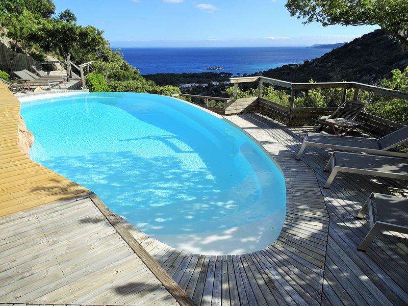 Studio 4 étoiles avec piscine, vue panoramique à la plage de Palombaggia., location de vacances à Corse-du-Sud