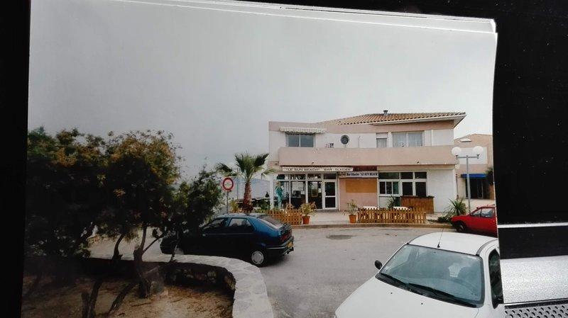 Appartement de 83 m² sur le port et la plage, vacation rental in Meze