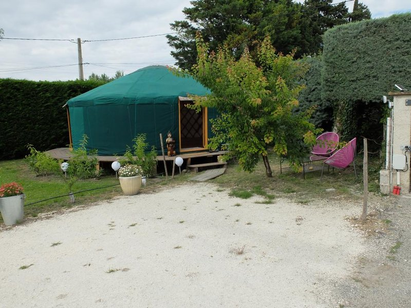 Hébergement en Provence avec prestations insolites, vacation rental in Saint Andiol