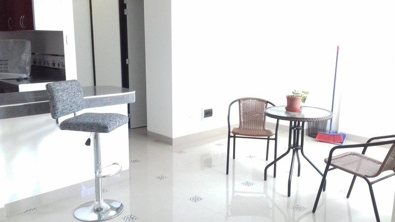 Departamento nuevo Cusco en 7mo piso San Sebastian, vacation rental in San Sebastian
