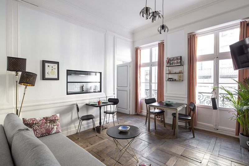 Hanoï - Joli appartement en plein centre, aluguéis de temporada em Saint-Gregoire