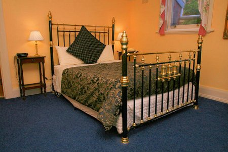 The Lodge - Spa Accommodation Room10, holiday rental in Derwent Park
