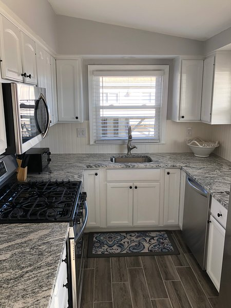 Updated Kitchen, Granite Countertops and Stainless Steel Appliances