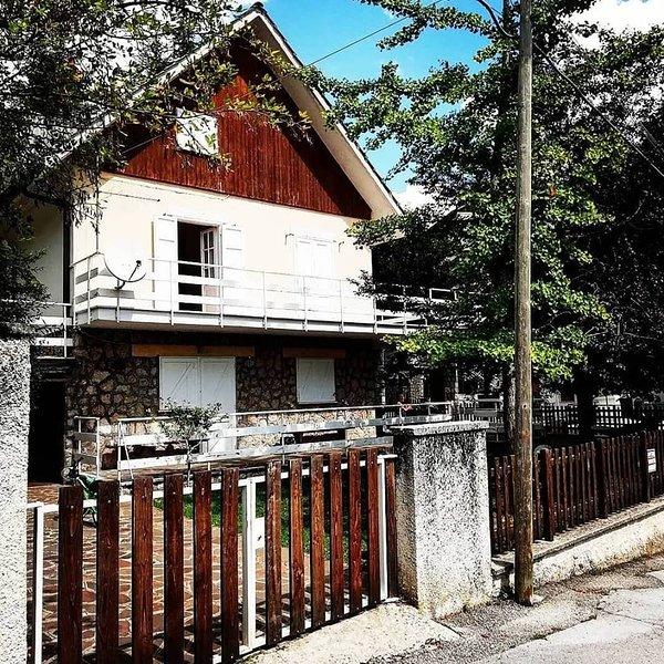 Villetta di montagna da vivere in compagnia, holiday rental in Balsorano