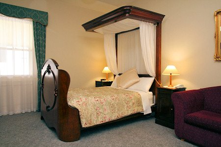 The Lodge - Spa Accommodation Room11, holiday rental in Derwent Park