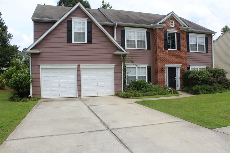Spacious Home Just Min from Airport and Downtown Voted # 1 in Atlanta, holiday rental in Union City