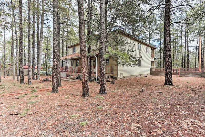 Stay in the Pinetop-Lakeside area at this 5-bedroom, 4-bathroom vacation rental!