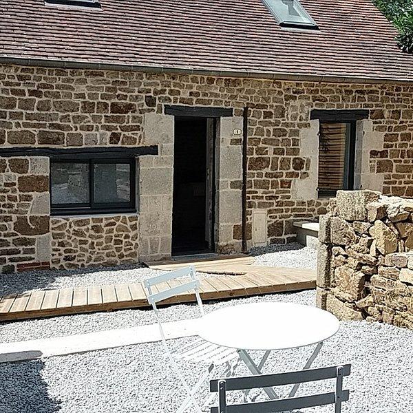 Gîte cosy pouvant accueillir jusqu'à 6 personnes, holiday rental in Putanges-le-Lac