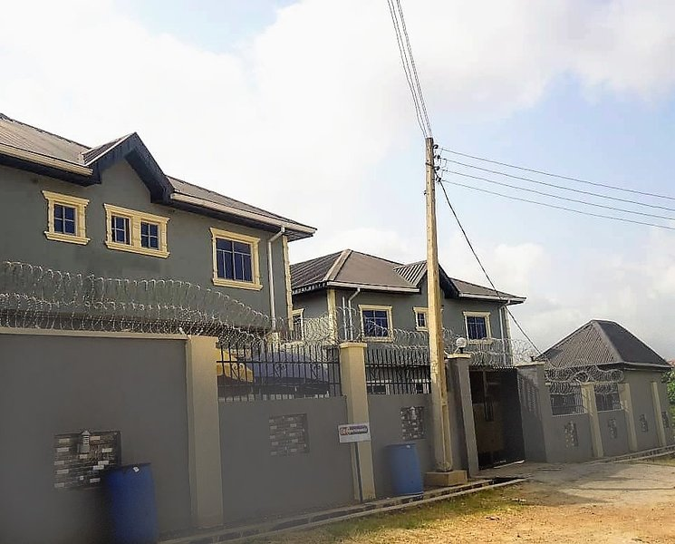 O2 Apartments - Furnished 2 Bedrooms Apartment, holiday rental in Oyo State