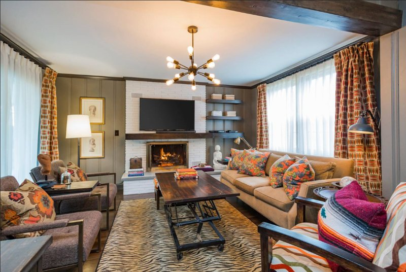 Designer Queen Bedroom in MidCentury Ranch/Super Convenient/10% Off, Ferienwohnung in Goodlettsville