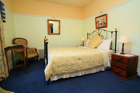 The Lodge - En-suite Accommodation Room7, holiday rental in Derwent Park