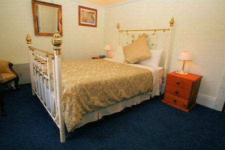 The Lodge - En-suite Accommodation Room8, holiday rental in Derwent Park