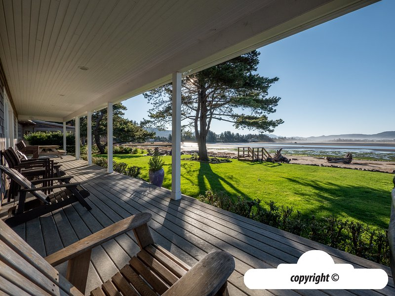 888 Beach Drive : BIG HOUSE LITTLE BEACH - Ocean Front with Private Beach, vacation rental in Gearhart