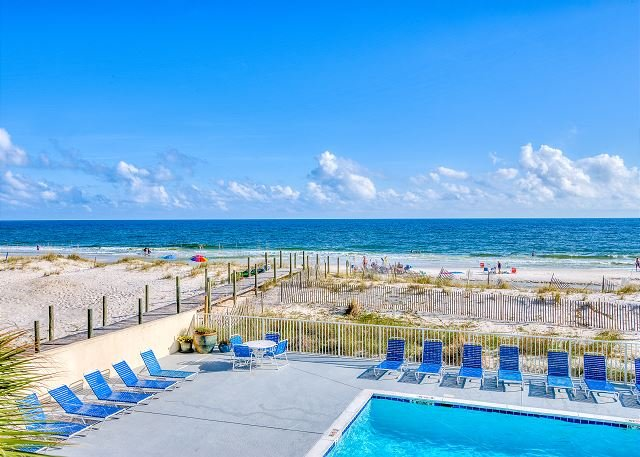 Gulf Tower 1B ~ Direct Views of Gulf and Pool ~ Bender Vacation Rentals, location de vacances à Gulf Shores