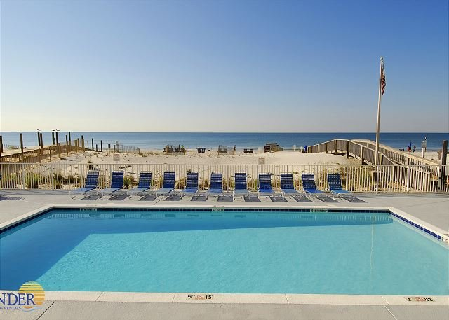 Gulf Tower 5C ~ Swing on Private Balcony ~ Bender Vacation Rentals, location de vacances à Gulf Shores