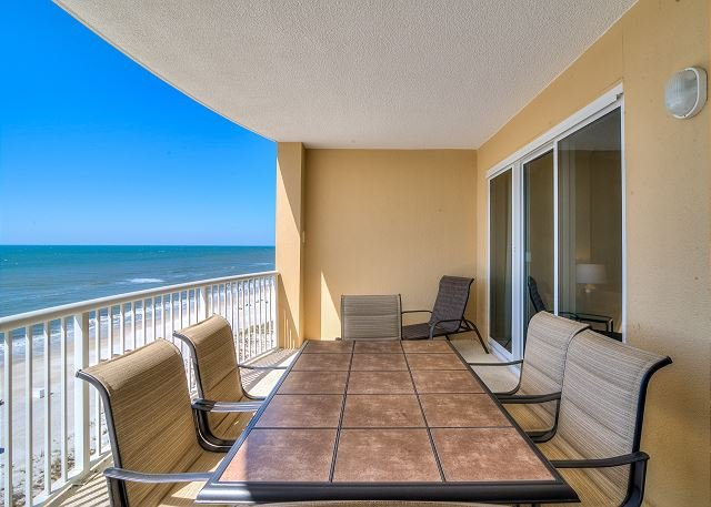 Island Royale 903 ~ Beach Front View and Amenities ~Bender Vacation Rentals, location de vacances à Gulf Shores
