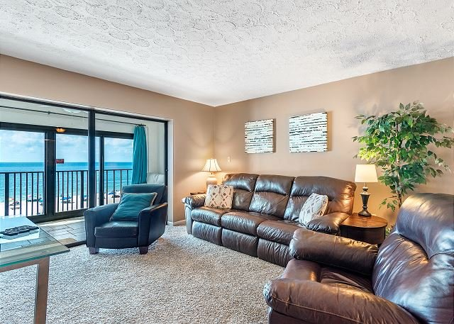 Gulf Tower 3B ~ Lovely, Beach Front Enclosed Balcony ~Bender Vacation Rentals, location de vacances à Gulf Shores