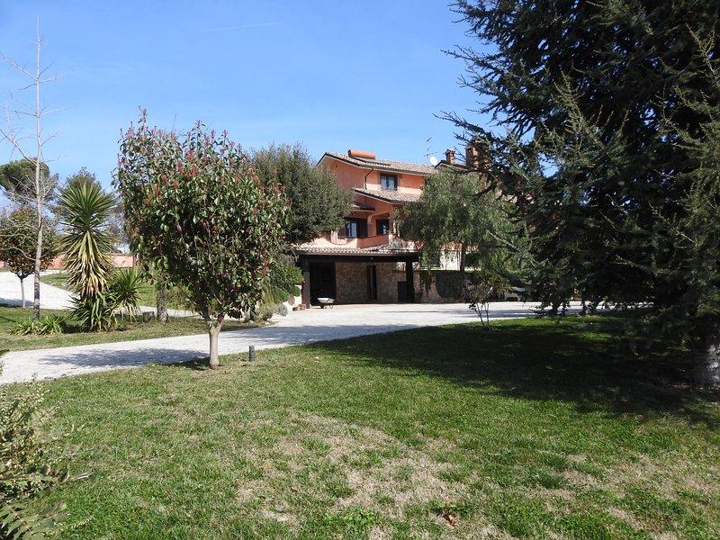 Alloggio turistico confortevole nelle campagne di Passo Corese e Fara in Sabina, holiday rental in Passo Corese