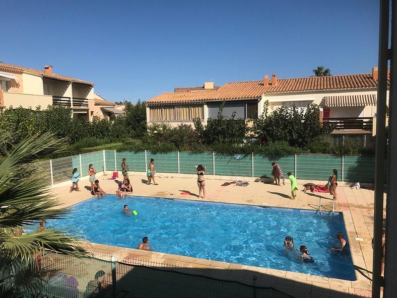 T2 entièrement rénové à 100m du village naturiste, alquiler vacacional en Cap-d'Agde