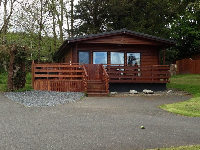 Birch Lodge 22 with Hot Tub, Newton Stewart, holiday rental in Creetown