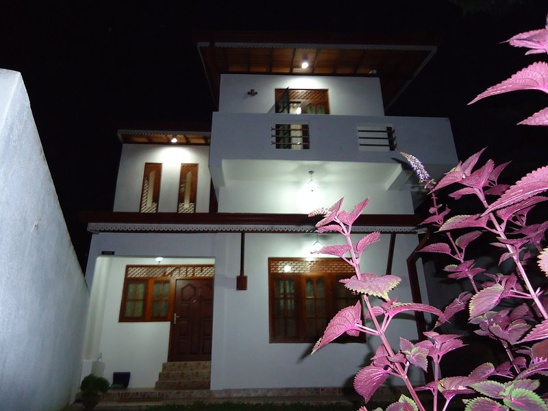 1 &  1 Private House, vacation rental in Makandura