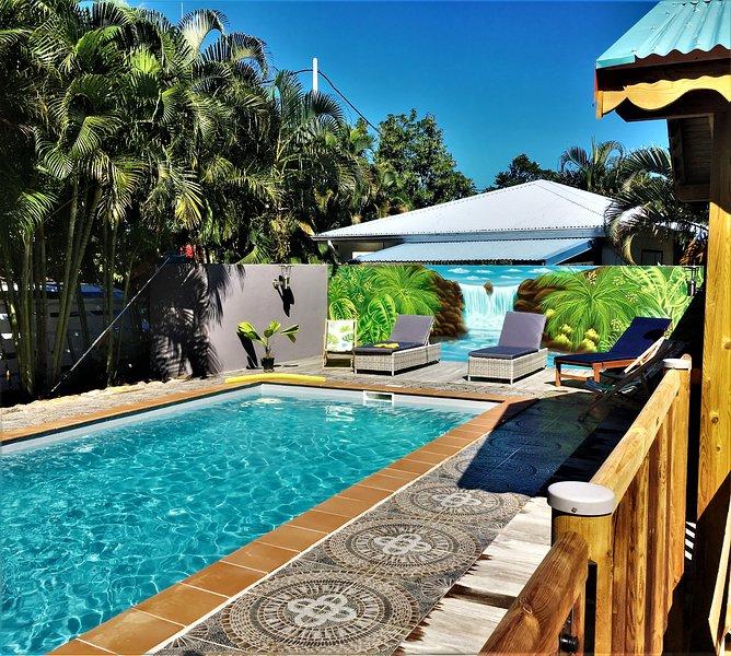 Baz'Créole,Caraïbe, rénové à neuf avec piscine et carbet de charme, à 250 plages, holiday rental in Bas Vent