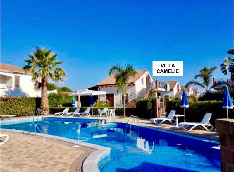 Villa Camelie, holiday rental in Campofelice di Roccella