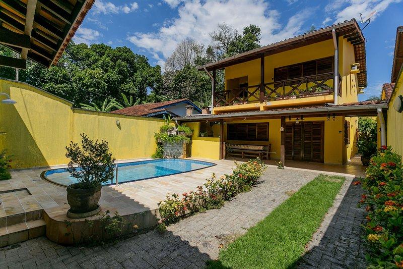 Casa familiar, tranquilidade em Boissucanga, aluguéis de temporada em Praia Barra do Sahy