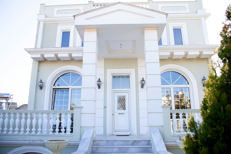 Villa Santonia:  quiet holidays in Athens' outskirts!, vacation rental in Artemida